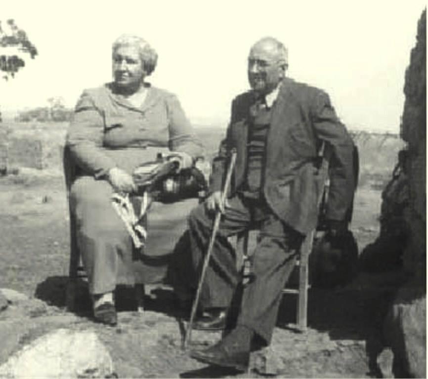 Doktor Mecit Barlas,1950'lerde eşiyle birlikte