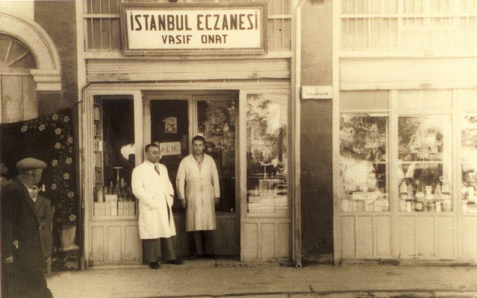 Açılış 1938. Eczacı Vasıf Onat